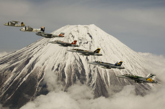 Naval_aviation_family_formation_pho